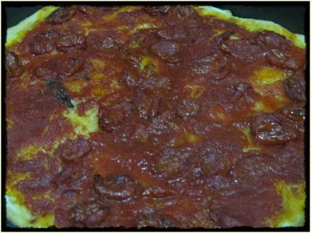 Pizza con olio e pomodorini Datterino - foto A. Di Costanzo