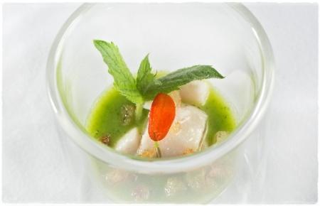 Pesce Bandiera marinato al Timo , crema di Zucchine a Scapece e Pane Raffermo