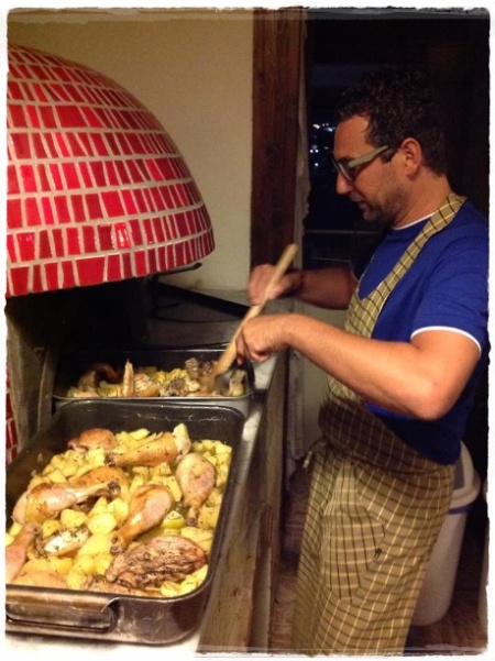 Pozzuoli, Abraxas. Nando Salemme al forno - foto Angelo Di Costanzo